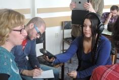 cc Stiftung Zuhören / Experteninterview mit Dolmetscher