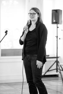 cc Stiftung Zuhören / Elke Kollar von der Klassik Stiftung Weimar lobt die professionelle Arbeitsweise der Schüler