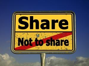 Share Ortsschild